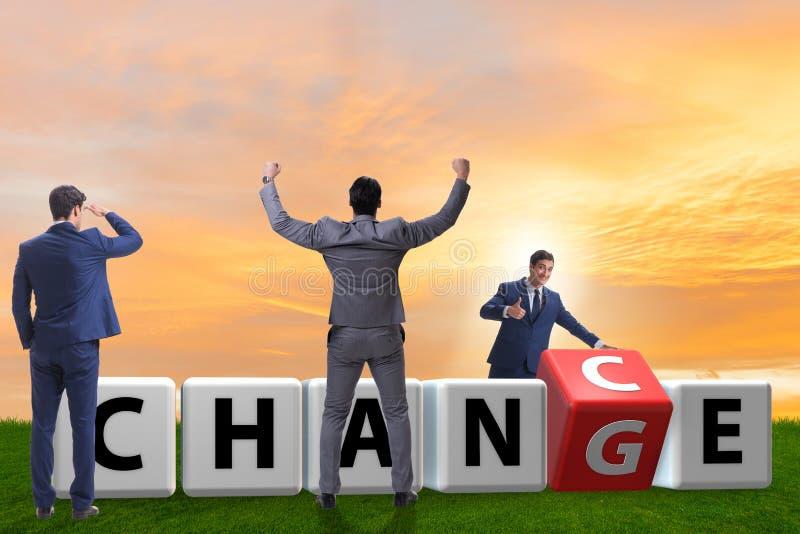 De zakenman die kans voor verandering nemen stock foto