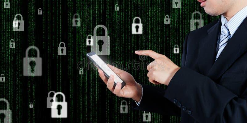 De zakenman die online tabletlogin gebruiken, bedrijfstechnologie bedriegt stock foto