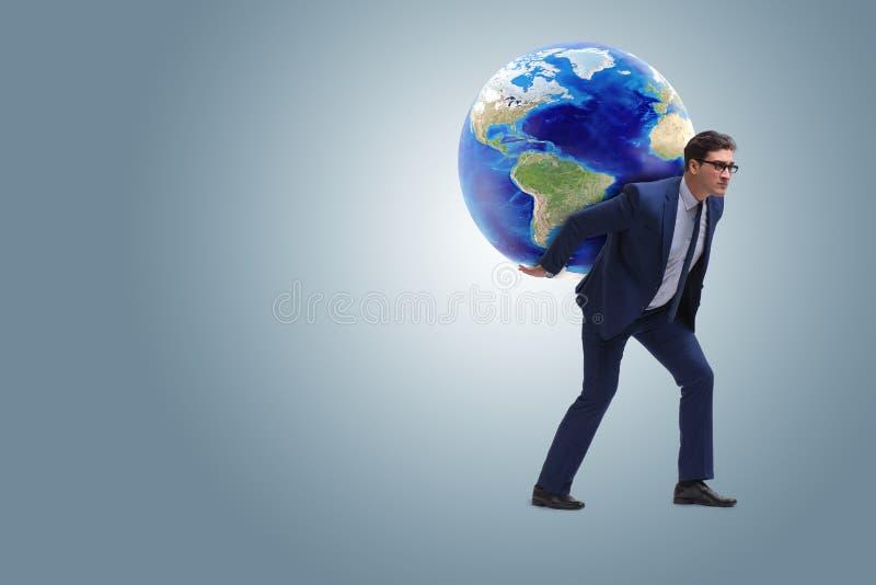 De zakenman dragende aarde op zijn schouders royalty-vrije stock foto's