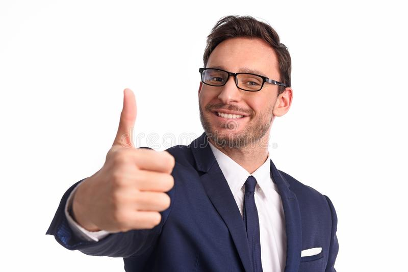 De zakenman glimlacht met vreugde op witte achtergrond wordt geïsoleerd die royalty-vrije stock afbeeldingen