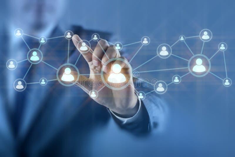 De zakenman in sociaal netwerkenconcept stock illustratie
