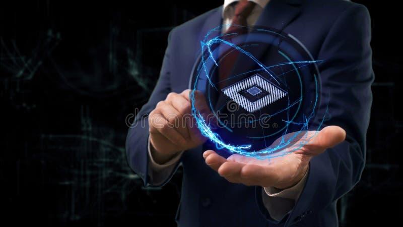 De zakenman toont conceptenhologram 3d Microchip op zijn hand stock afbeeldingen