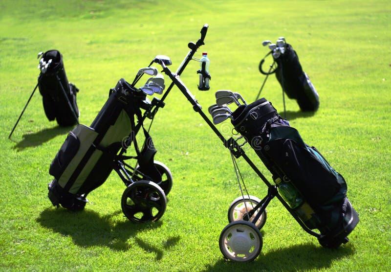 De Zakken van het golf op de Cursus van het Golf royalty-vrije stock afbeeldingen