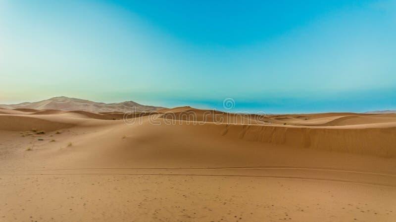 De zandige woestijn van de landschapssahara stock foto