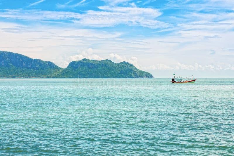 De zeegezichtmening van Ao Manao baai in Prachuap Khiri Khan royalty-vrije stock afbeelding