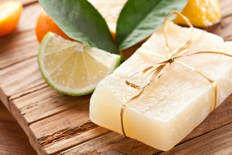De zeep van de citroen stock fotografie