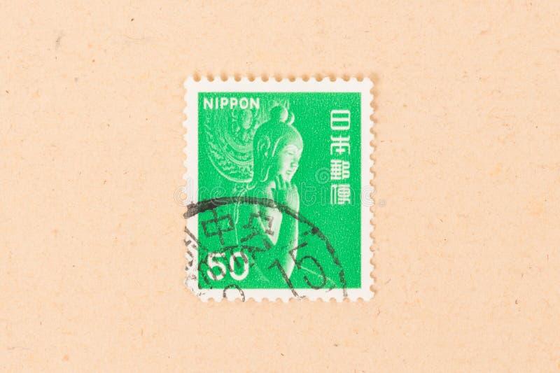 De zegel in Japan wordt gedrukt toont een standbeeld, circa 1980 die stock foto