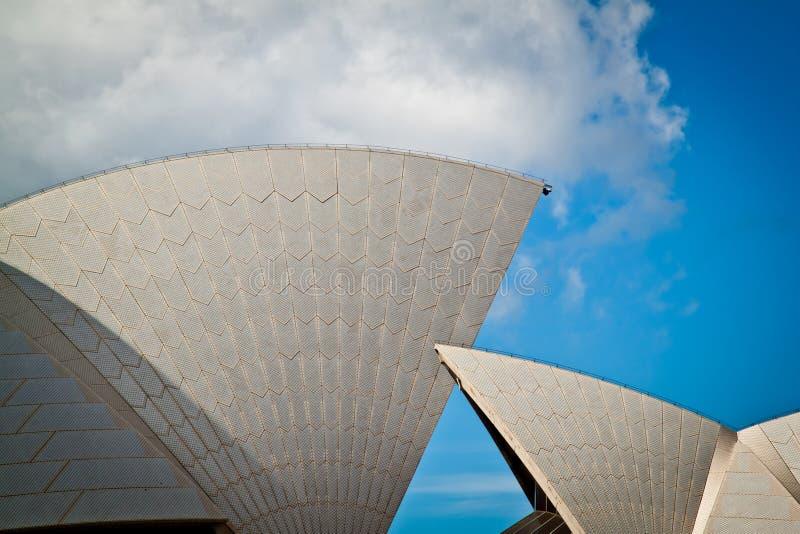 De zeilen van het Huis van de Opera van Sydney royalty-vrije stock afbeelding