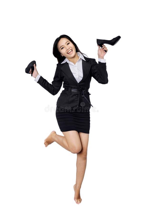 De zekere Schoenen van de Bedrijfsvrouwenholding royalty-vrije stock afbeeldingen