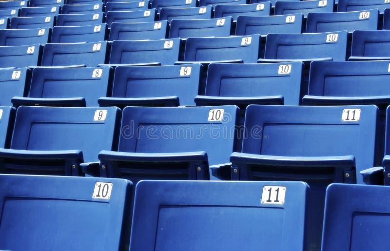 De Zetels van het stadion/van de Arena stock foto's