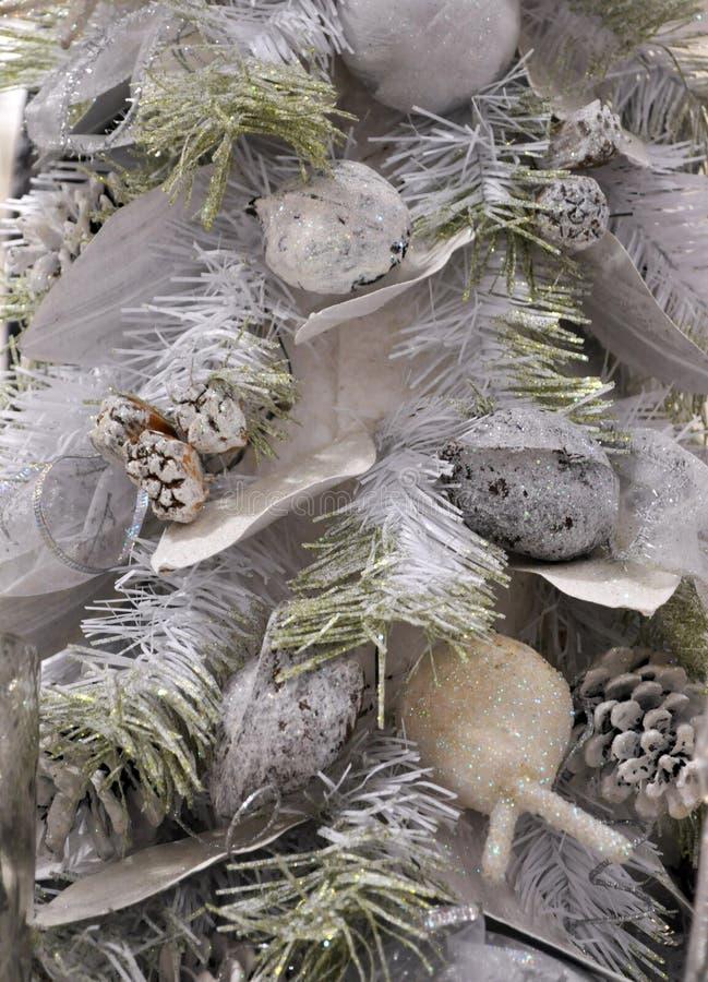 De zilveren achtergrond van de Kerstmisboom stock foto