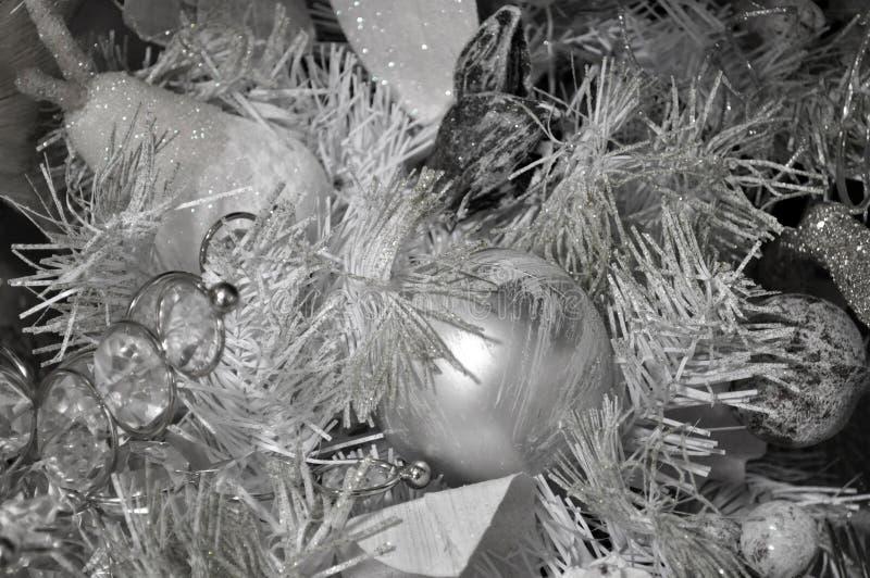 De zilveren achtergrond van de Kerstmisboom royalty-vrije stock fotografie
