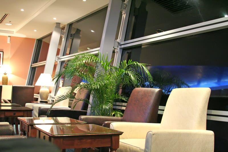 De zitkamer van de luchthaven stock afbeelding