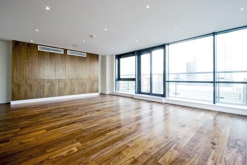 De zitkamer van de penthouse