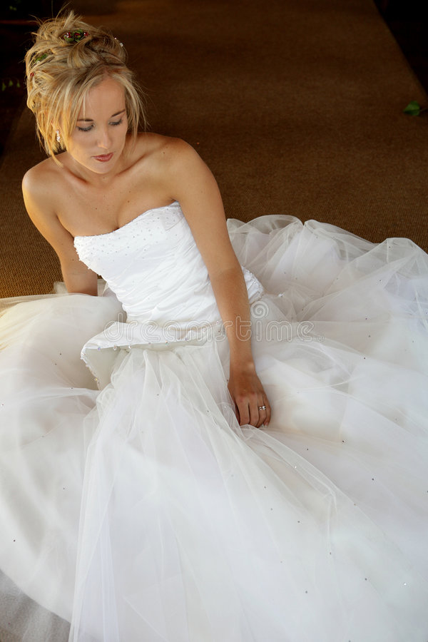 De zitting van de Bruid van het huwelijk royalty-vrije stock foto