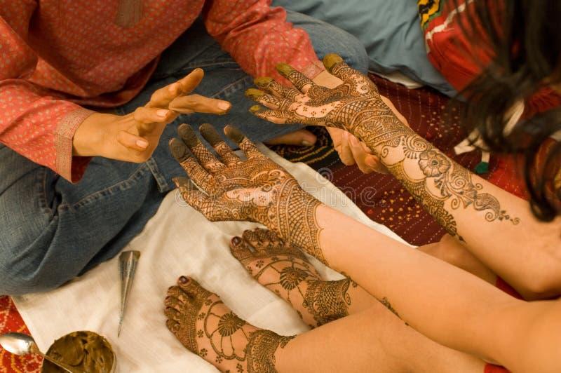 De zitting van henna royalty-vrije stock afbeelding