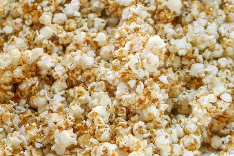 De zoete close-up van de karamelpopcorn royalty-vrije stock fotografie