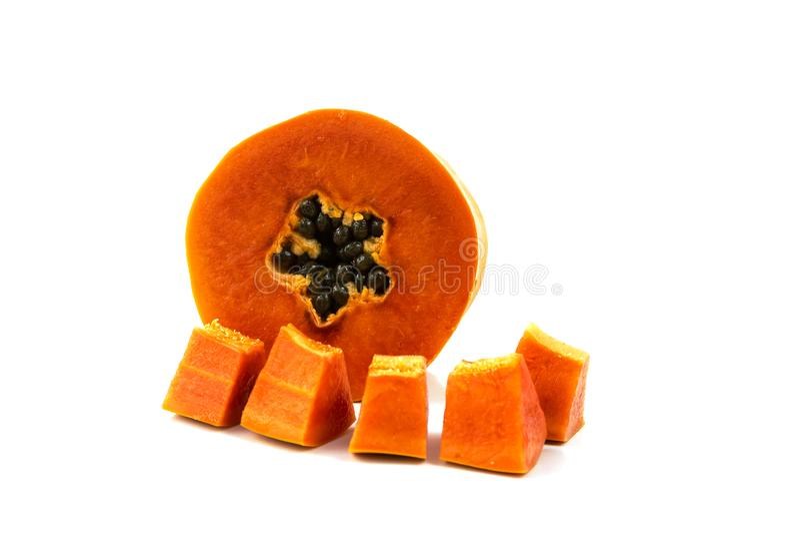 De zoete halve besnoeiing van het papajafruit stock foto's