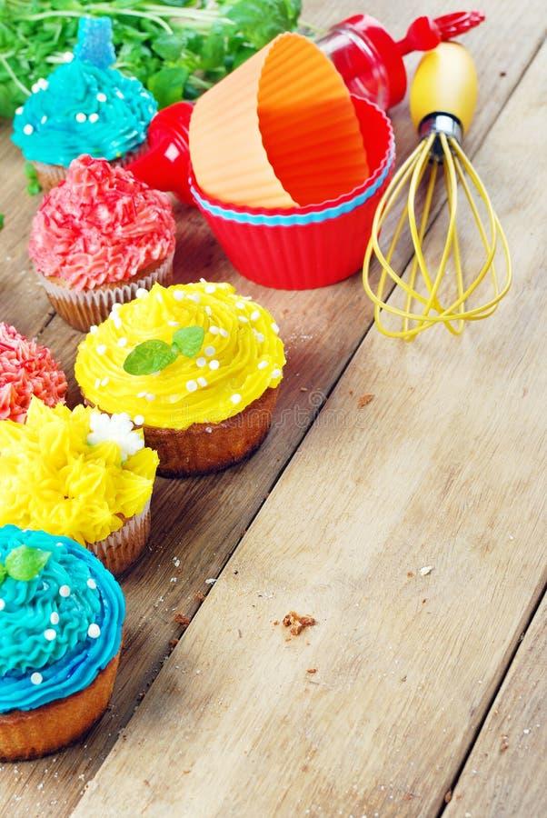Download De Zoete Pasen-cakes Van De Kerstmisverjaardag Stock Afbeelding - Afbeelding bestaande uit deeg, partijen: 39105747