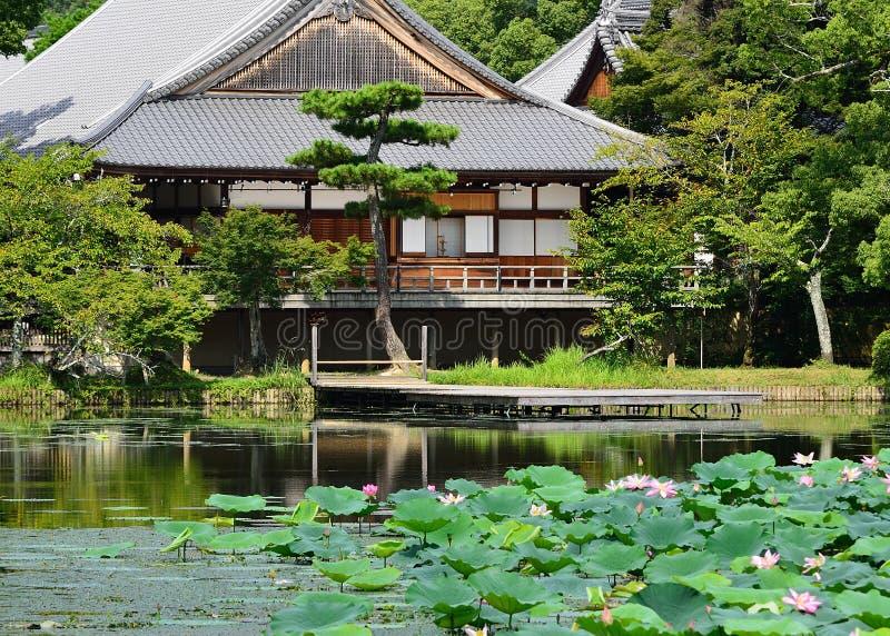 De zomer in Daikakuji-tempel, Sagano Kyoto Japan stock afbeelding