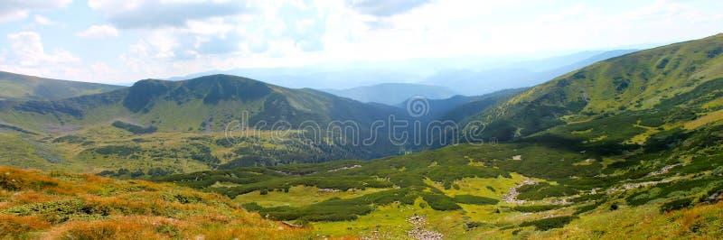 De zomer, de Oekraïne, berg, Karpatische zonsondergang, bergketen, landschappen, toerisme, royalty-vrije stock foto