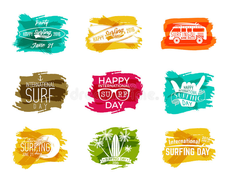 De zomer het surfen dag grafische elementen Geplaatste de emblemen van de vakantietypografie Surferpartij met brandingssymbolen - stock afbeelding