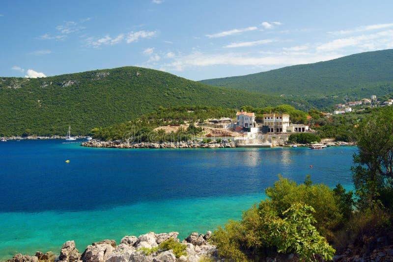 De zomer op de kust van het schiereiland Lustica royalty-vrije stock fotografie