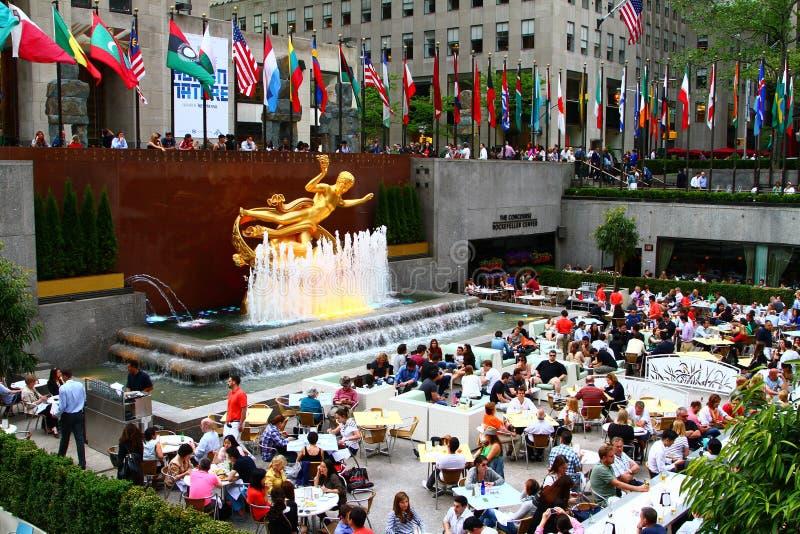 De zomer op Rockefeller-Centrum stock afbeeldingen