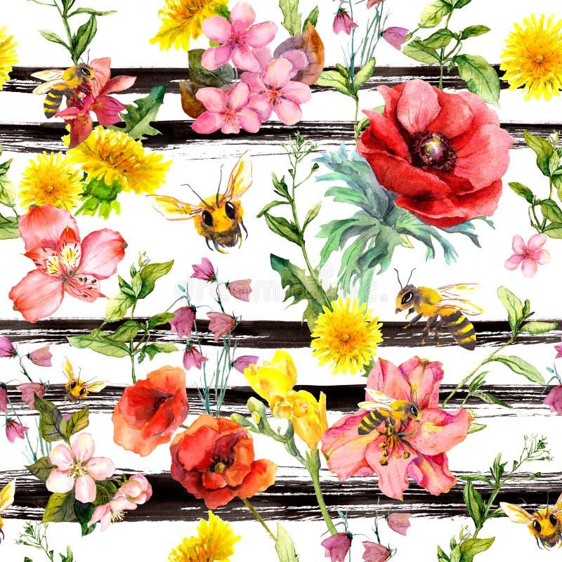 De zomerbloemen, weidegras, bijen bij zwart-wit gestreepte achtergrond Het herhalen van bloemenpatroon Waterverf en zwarte royalty-vrije illustratie
