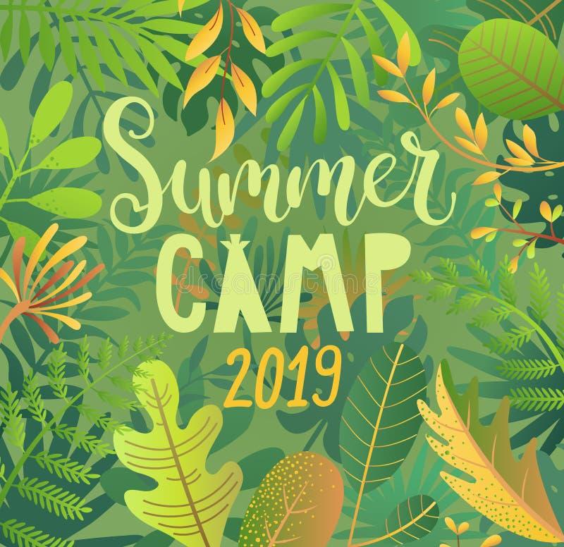 De zomerkamp 2019 die op wildernisachtergrond van letters voorzien stock illustratie
