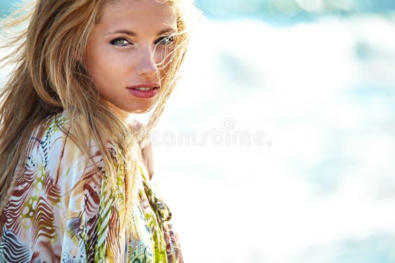 De zomermeisje royalty-vrije stock foto's