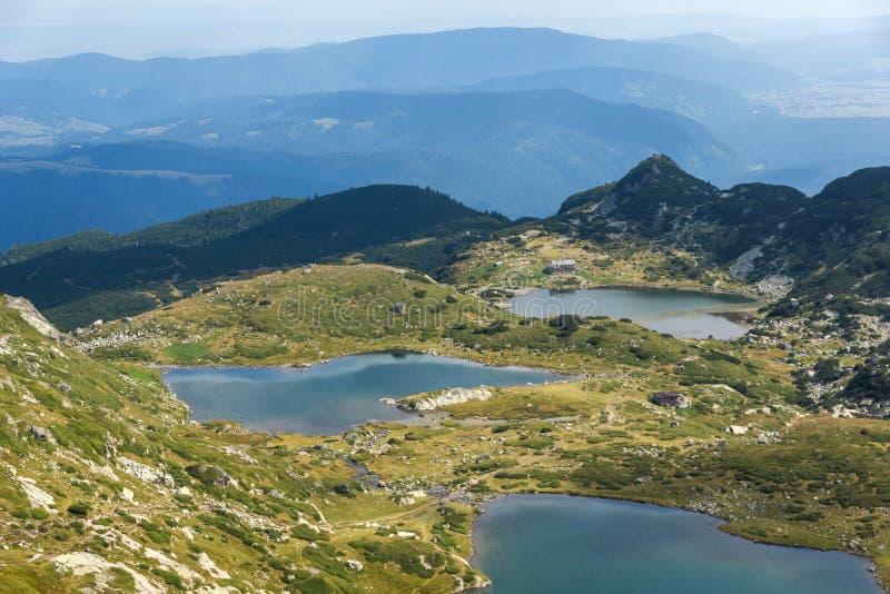 De zomermening van de Tweeling, de Klaver en de Vissenmeren, Rila-Berg, de Zeven Rila-Meren, Bulgarije stock foto's