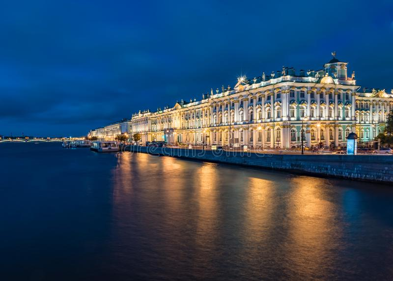 De zomerpaleis van heilige Petersburg royalty-vrije stock afbeelding
