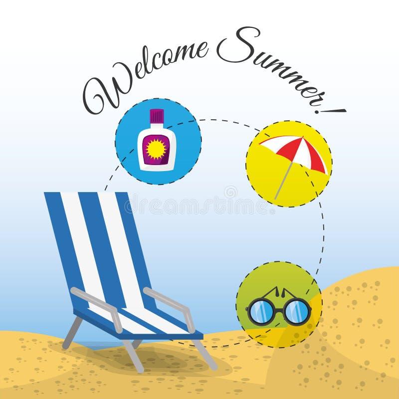 De zomerparaplu, zonglazen, stoel en zonnescherm over zand met een mooi zonnig strand stock illustratie