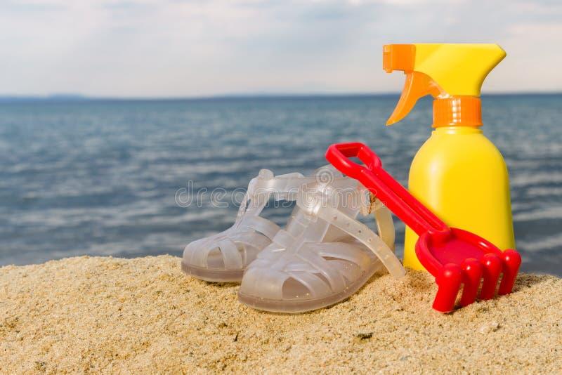 De zomerpunten op het strand royalty-vrije stock fotografie
