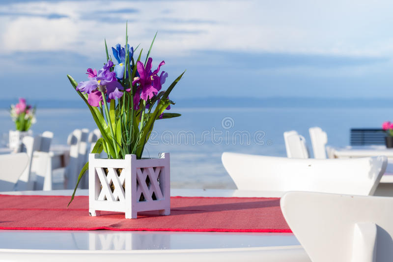 De zomerpunten op het strand royalty-vrije stock afbeeldingen
