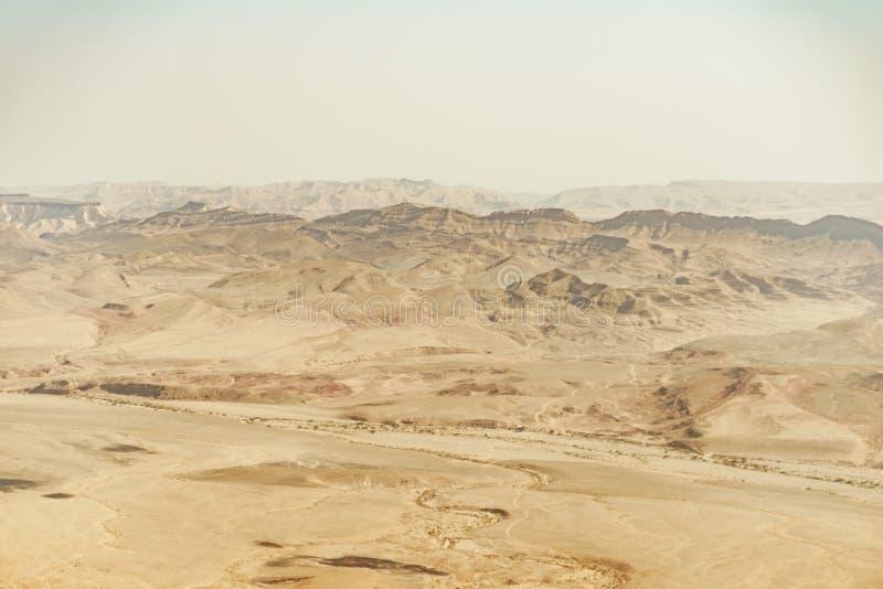 De zomerreis naar de woestijnhoogtepunt van Israël negev van zand stock afbeelding