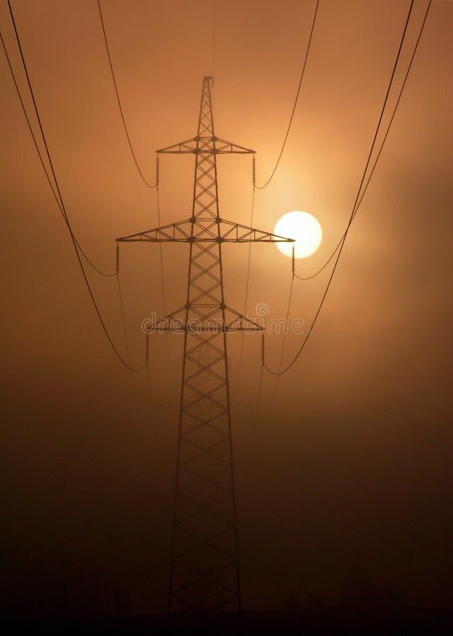 De zon + de elektrificatie van de mist. royalty-vrije stock foto