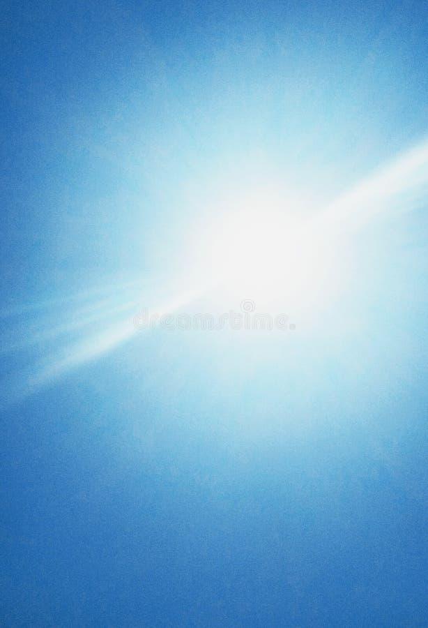 De zon die helder in de hemel glanzen royalty-vrije stock fotografie