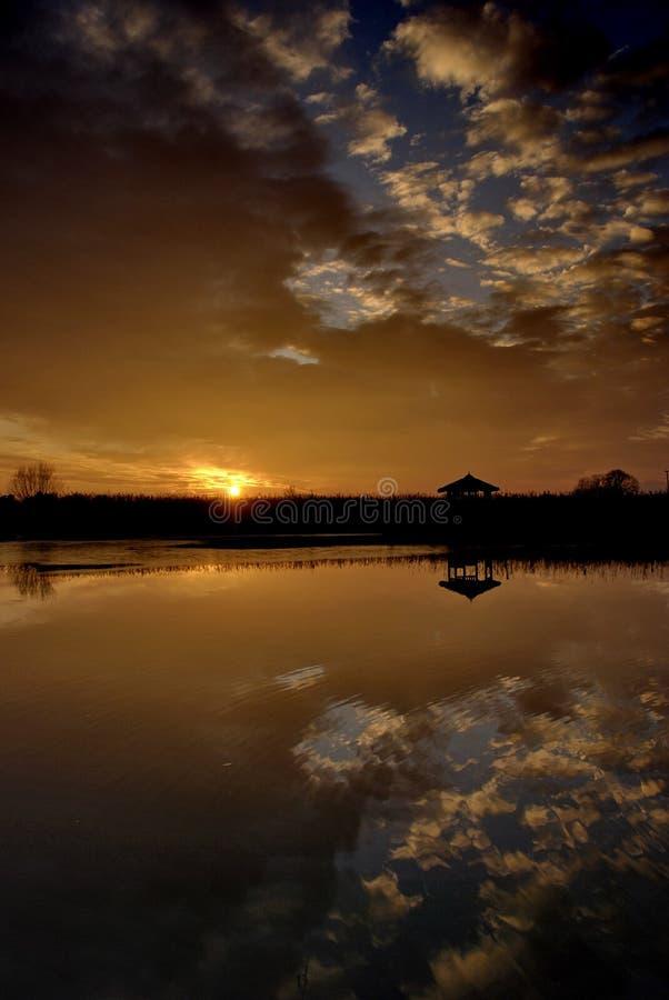 De zon gaat royalty-vrije stock fotografie