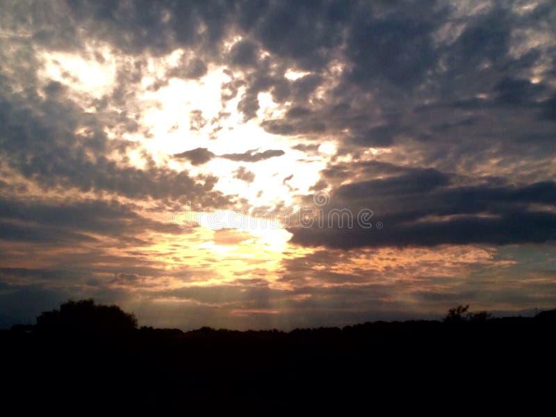 De zon van het heuvelland stock afbeeldingen