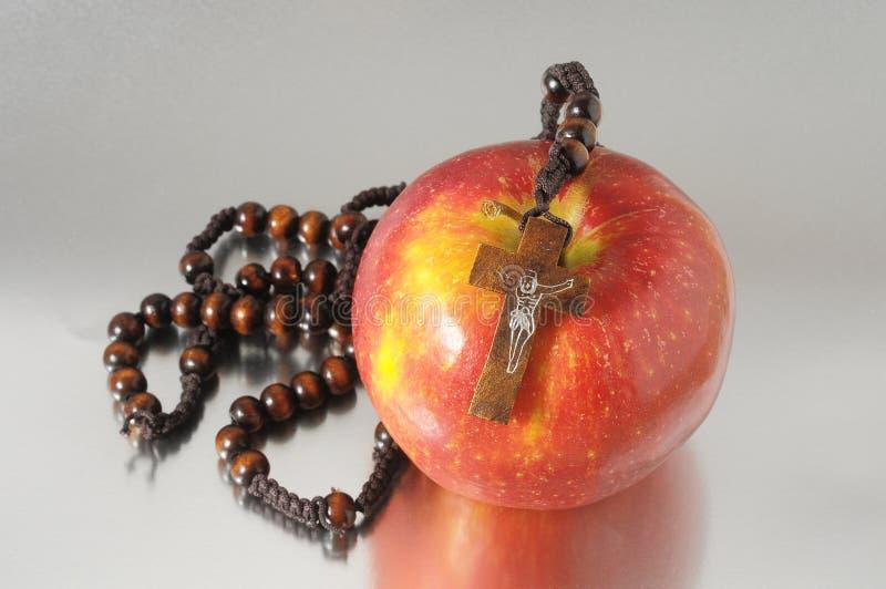 De Zonde Rood Apple van bijbeleva stock foto's