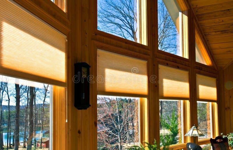 De Zonneblinden van het venster stock afbeelding