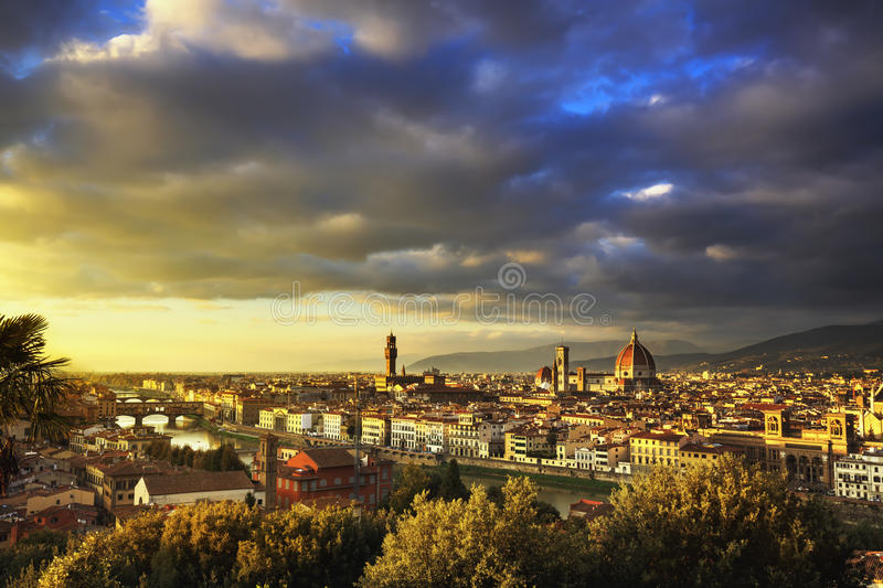 De zonsondergang luchtcityscape van Florence of van Florence Toscanië, Italië stock afbeelding