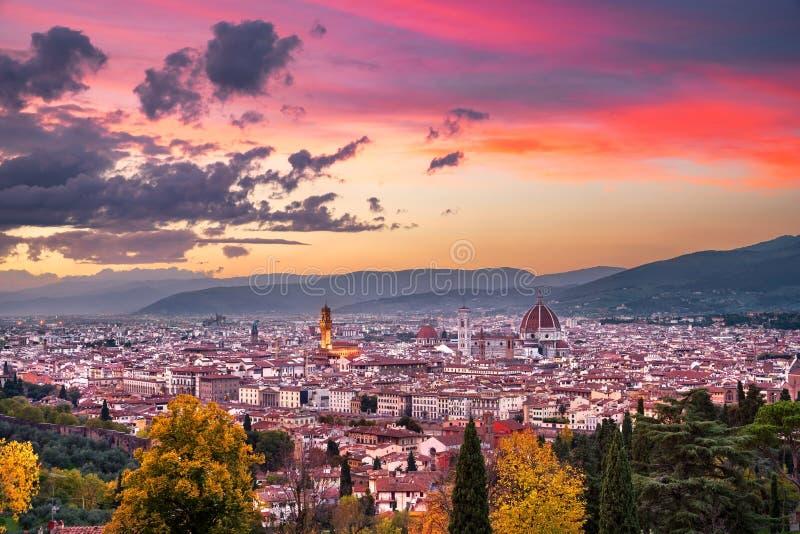 De zonsondergang luchtcityscape van Florence of van Florence Toscanië, Italië stock foto's