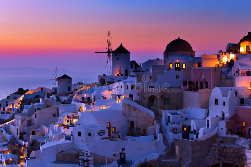 De zonsondergang op Santorini royalty-vrije stock fotografie