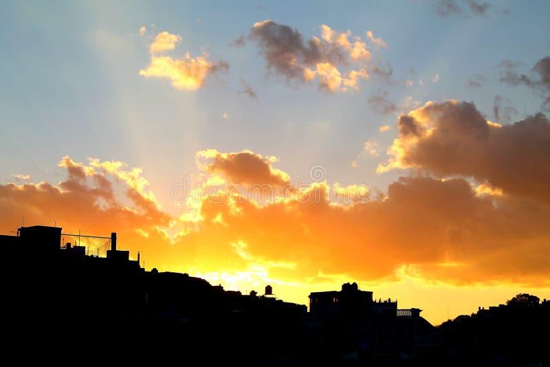 De zonsondergang stedelijk silhouet van Guanajuatoroyalty-vrije stock foto