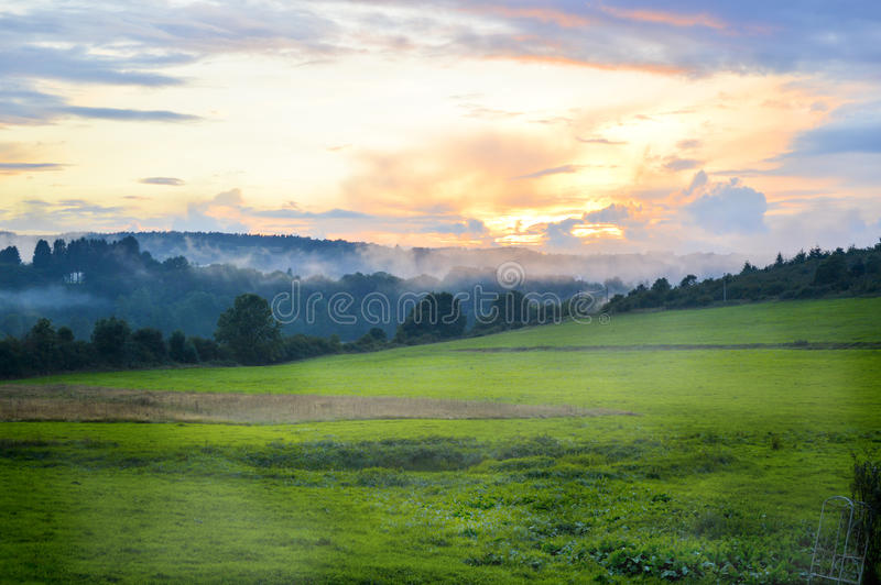 De zonsondergang van Ardennen stock afbeelding