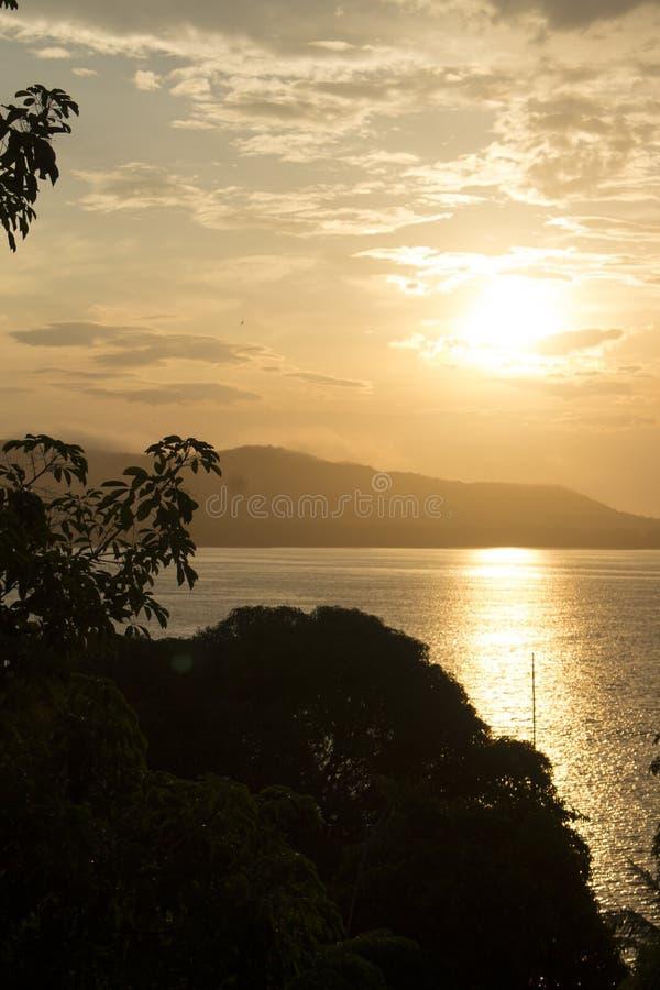 De zonsondergang van de avond stock afbeeldingen