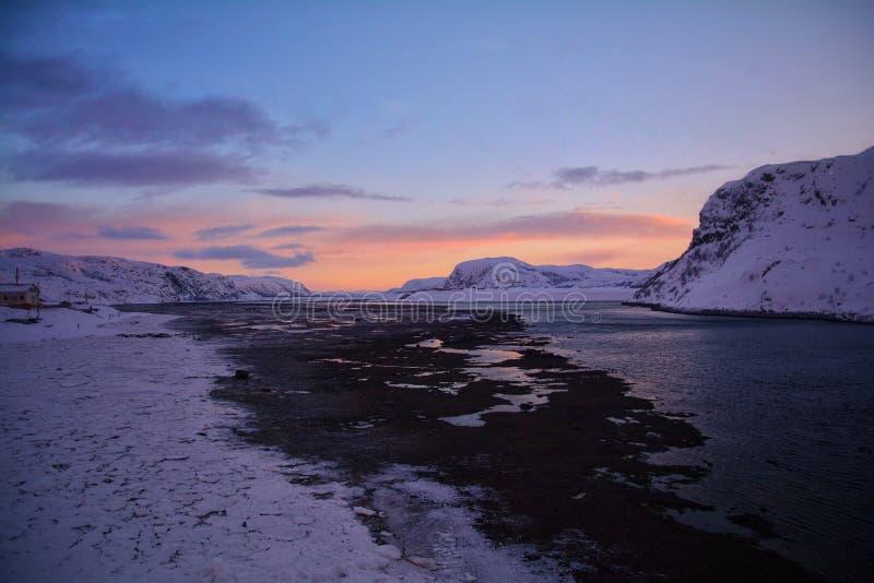 De zonsondergang van de Barentsz Zee royalty-vrije stock afbeeldingen